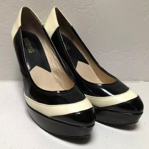 Micheal Kors Black And White Leather Heels Size 9